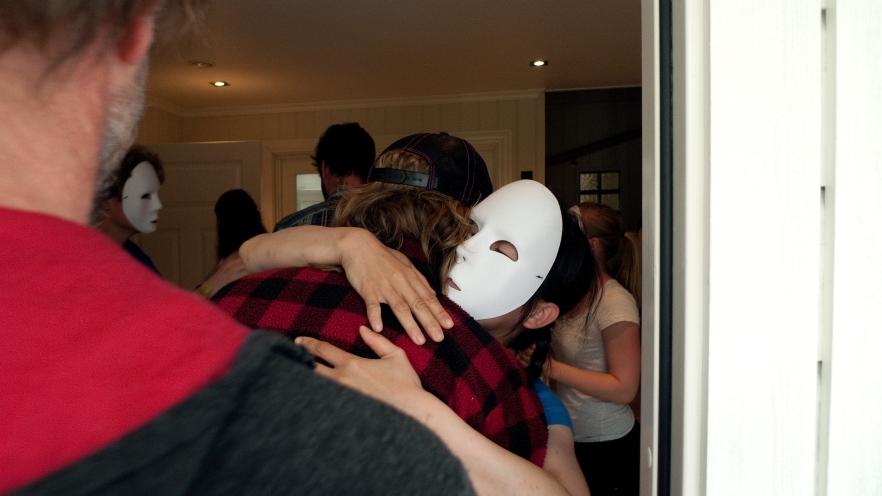 EH-performance-hug